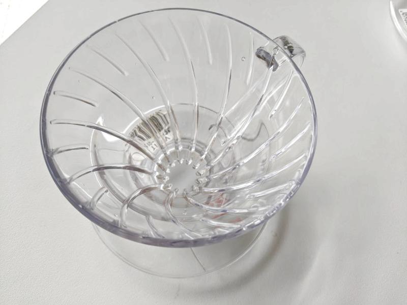私が最初に買ったハリオV60はプラスチックの透明なタイプ。