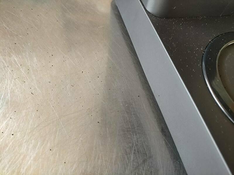 コーヒーの粉が飛び散ってしまう