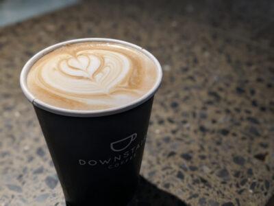 カフェラテとカフェオレは違う!まろやかで甘めなカフェラテは、コーヒーが苦手な人におすすめです!
